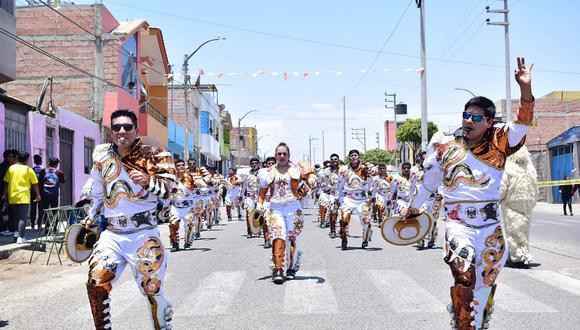 Pasacalle y concurso de danzas en Ciudad Nueva
