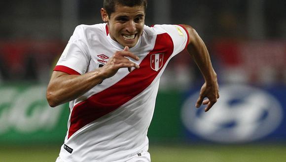 Ante la ausencia de Luis Advíncula, la 'Muela' se quedó con el puesto de lateral derecho.