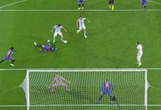 Lewandowski firmó doblete en el Camp Nou tras humillar a Piqué (VIDEO)
