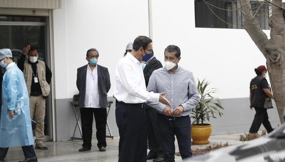 Jefe de los ensayos clínicos de Sinopharm dijo que no informó sobre la vacunación del expresidente por respeto a la confidencialidad que tienen todos los pacientes y voluntarios.