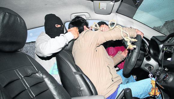 Taxista: ¿Qué hacer para prevenir robos y atracos en un oficio cada vez más peligroso?