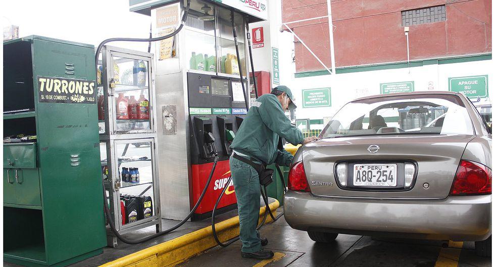 MEF anuncia que precios de combustibles bajarán este fin de semana