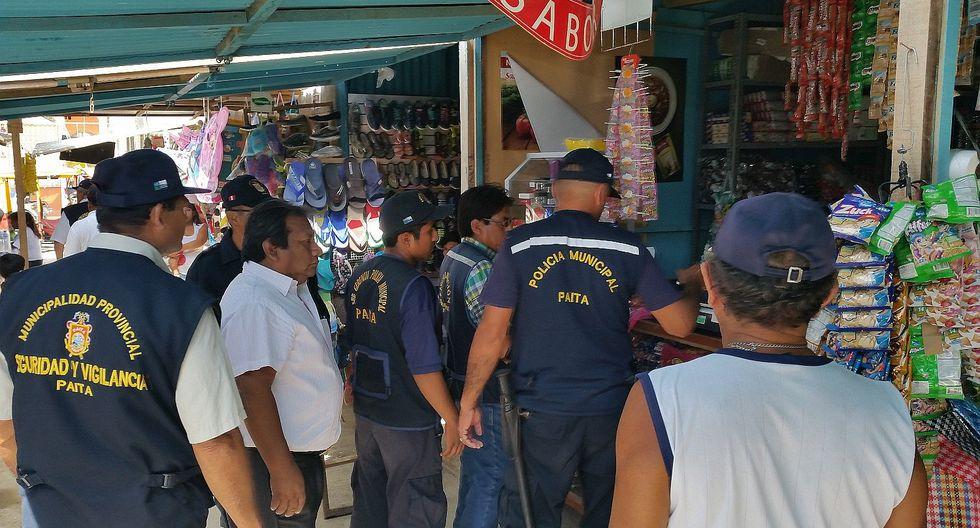 Paita: Delincuentes vacían puestos de mercadillo Santa Rosa