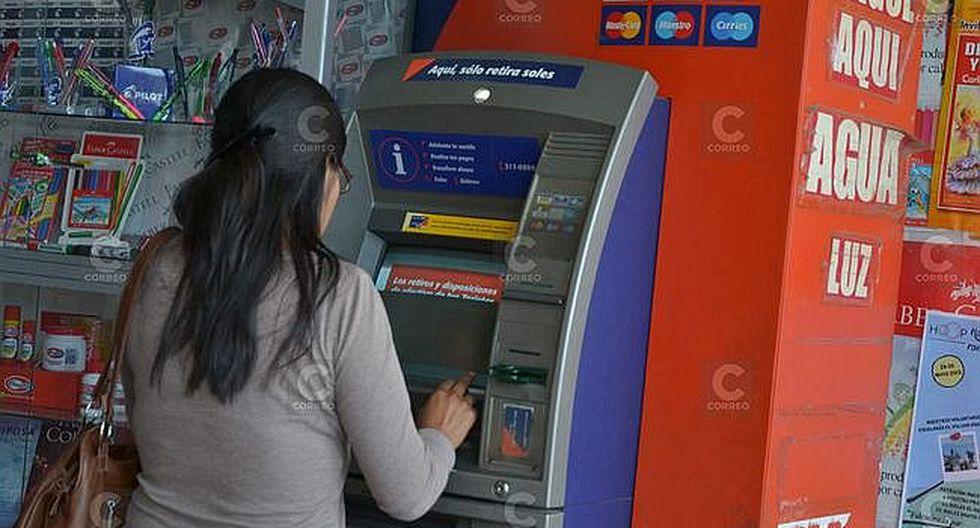 Bancos ganan S/. 3 mil 100 millones al año por retiros que hace el usuario en otras regiones