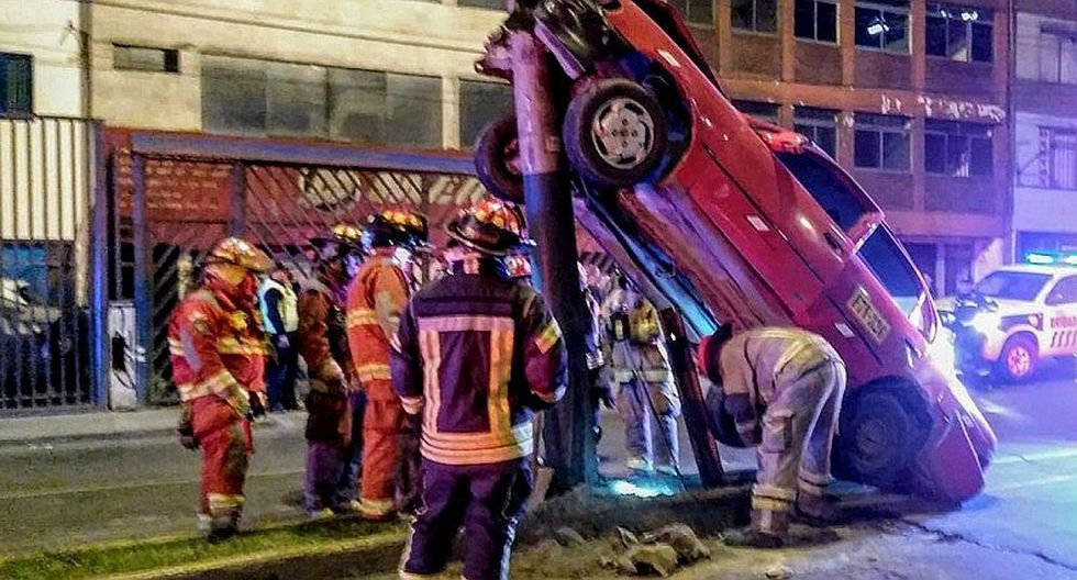 Surco: taxista resultó herido tras aparatoso accidente (VIDEO)