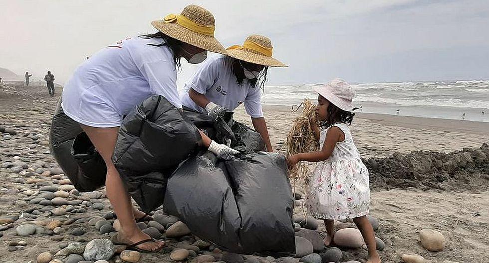 150  voluntarios limpiaron playa la Deheza en Camaná