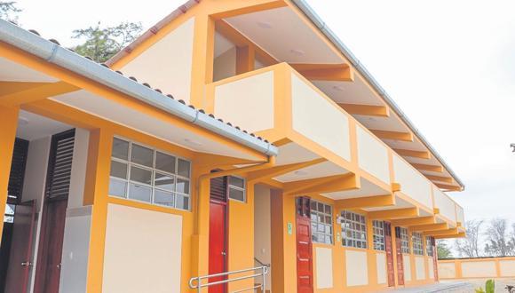 La Autoridad para la Reconstrucción con Cambios y la Municipalidad Distrital de La Arena inauguran esta institución educativa del nivel primario.