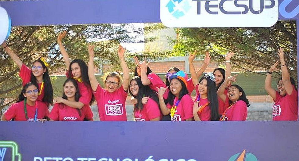 Estudiantes de 11 colegios compiten por un laboratorio de fabricación digital (FOTOS)