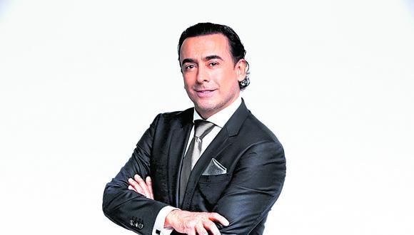 Popular presentador regresa a Lima como director de un monólogo que protagoniza Plutarco Haza. El mexicano apuesta por la reactivación de las artes escénicas