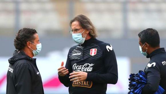 Ricardo Gareca fue vacunado contra el coronavirus este domingo en la Videna. (Foto: EFE)