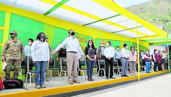 Con los brazos abiertos, el Presidente de la República tuvo acercamiento a autoridades de Junín