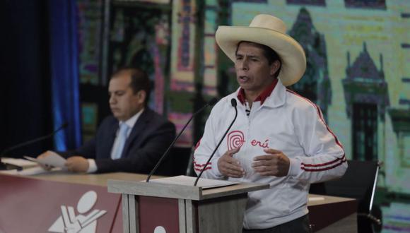 """Miembro del equipo técnico de Perú Libre dijo para recuperar la riqueza nacional plantean renegociar los contratos de gas natural y gravar a la industria minera ante el """"precio extraordinario"""" del cobre. (Foto: Leandro Britto / @photo.gec)"""
