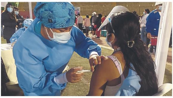 Hasta el momento se ha vacunado a 20 mil 688 de personas de 50-59 años en los distritos de Chimbote, Santa y Coishco en el 9 y 18 de julio.