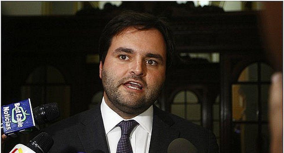 Alberto de Belaunde: No se está intentando prohibir uso de falda en colegios sino dar opción a elegir