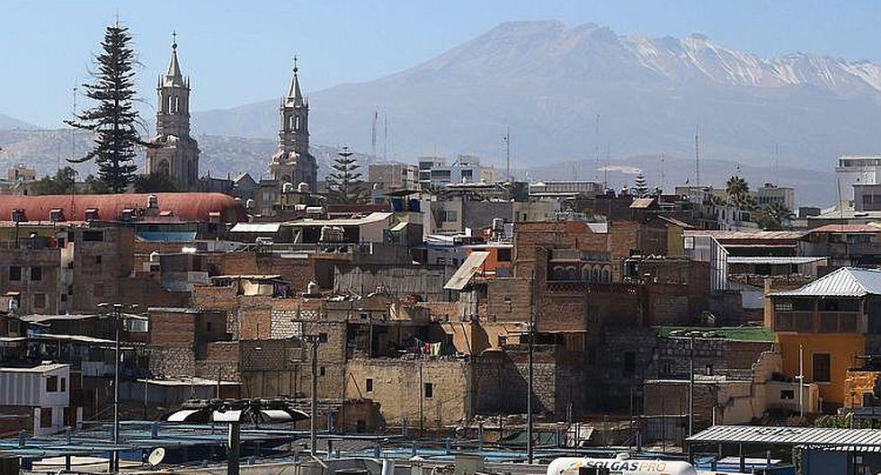 Censo 2017: Solo el 46.5% de la población vive en una casa con título en Arequipa