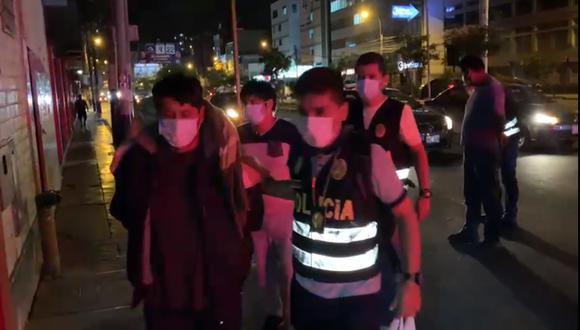 Los ocho detenidos fueron llevados a Medicina Legal en Lima Norte.