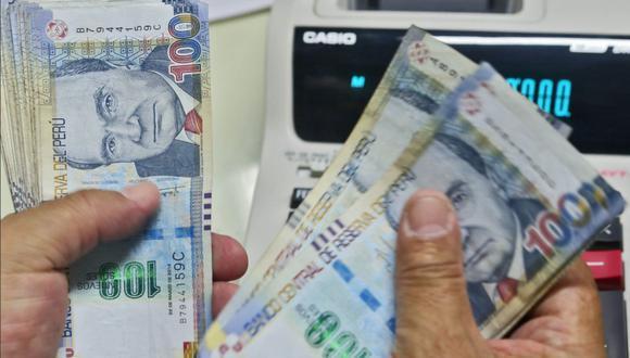 El Reglamento de la Ley 27735 señala que la gratificación de diciembre se deberá pagar en la primera quincena de este mes y que este plazo es impostergable. (Foto: Andina)