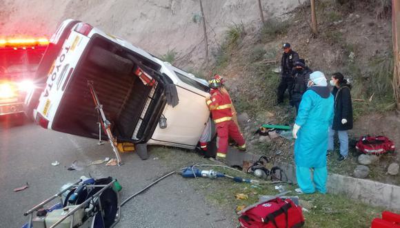 Bomberos ayudaron en rescate de los heridos