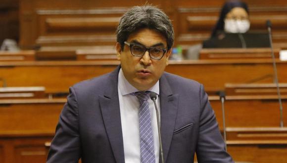Martín Benavides acudió a responder el pliego interpelatorio por la labor de Sunedu ante el pleno. (Foto: Congreso)