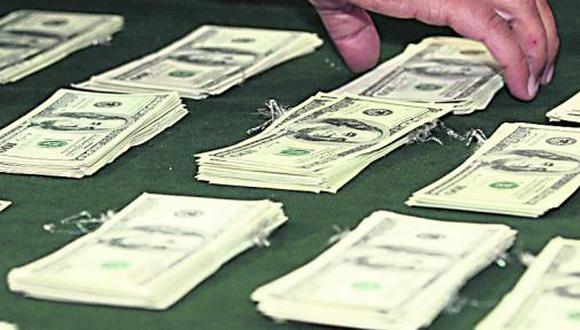 Sol cierra sesión sin variación respecto al dólar