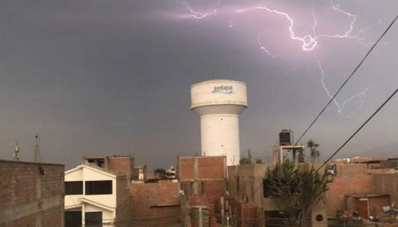 Lima registró relámpagos y truenos por un fenómeno meteorológico denominado Depresión Aislada de Niveles Altos (DANA). Indeci brindó recomendaciones a la población para saber qué hacer ante las descargas eléctricas.