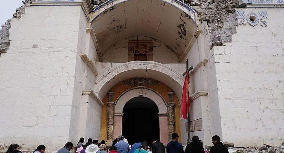 Pobladores celebran Misa Te Deum por aniversario fuera de la iglesia (FOTOS)