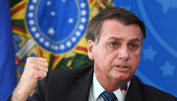 En esta foto de archivo tomada el 5 de febrero de 2021, el presidente de Brasil, Jair Bolsonaro, hace gestos mientras habla durante una conferencia de prensa. (Foto de EVARISTO SA / AFP).
