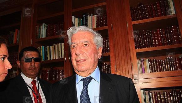 UNSA pide a Mario Vargas Llosa solicitar expresamente el cambio de administración de sus libros