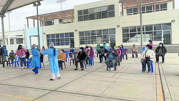 Preparan vacunación contra la COVID-19 para mayores de 40 años en Chimbote.