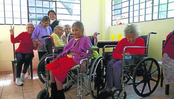 Día del Adulto Mayor: Súmate a la campaña 'Apadrinando una abuelita'