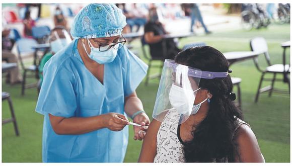En la jornada de 36 horas se superó la meta que era aplicar la primera dosis a 9,300 tumbesinos.
