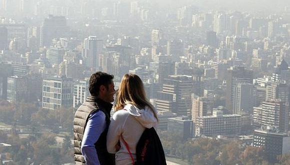 """Bajo una nube de smog Chile sigue bajo """"preemergencia ambiental"""""""
