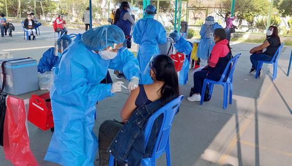 Meta trazada para el fin de semana es inmunizar a por lo menos 50 mil personas entre los 18 a 28 años. (Foto: Correo)