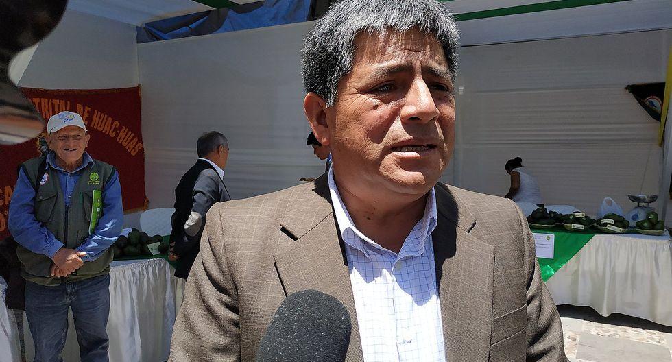 Comisión de Ética investigará viaje del gobernador al extranjero