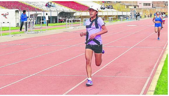 Flor Rosas: La mejor marca técnica de atletismo
