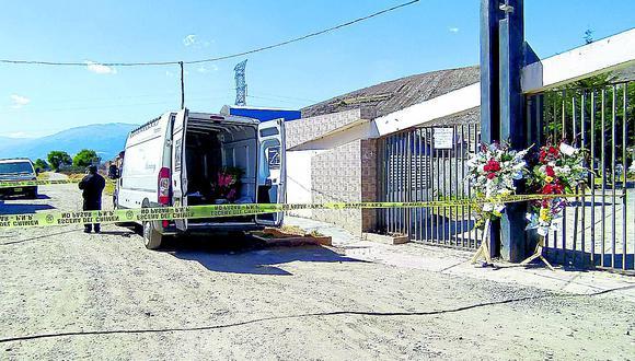 Policías interrumpen entierro de hombre muerto por  covid-19 en Huancayo