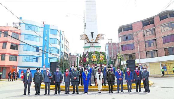 Autoridades se reúnen en ceremonia