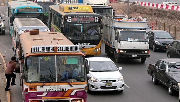 Evalúan restricción de circulación de vehículos en horas punta en Lima