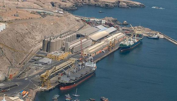 Médicos vigilan puerto de Matarani por ingreso de buques internacionales