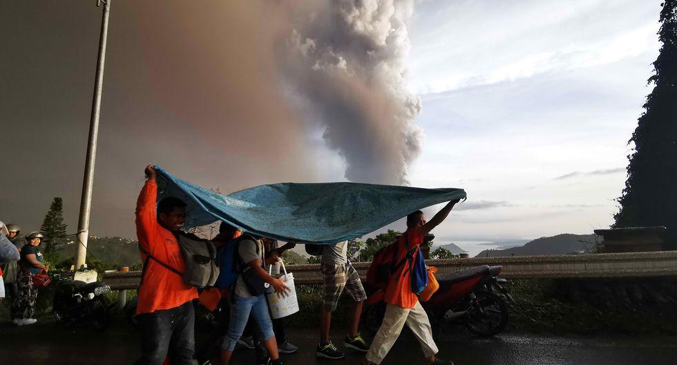 Filipinas: Más de 7,740 evacuados por erupción del volcán Taal, que ya escupe lava. (Foto: EFE)