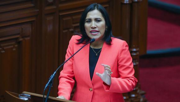 La exministra Flor Pablo aseguró que demostrará su  inocencia con documentación. (Foto: Andina)