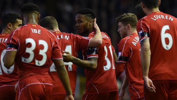 Premier League: Liverpool venció 2-0 al Newcastle y acecha al Manchester City
