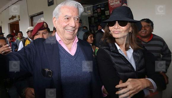 Mario Vargas Llosa pasea en Cusco y dice que se casará con Isabel Preysler (VIDEO)