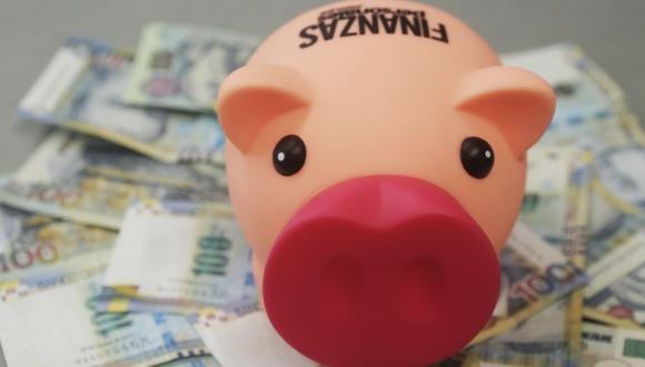 Conozca qué opción le conviene mejor si piensa invertir en depósito a plazo fijo o un fondo mutuo. (Foto: GEC)