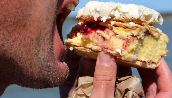 """""""Si consumes carne es preferible que sea carne blanca o magra como el pavo, pollo o pescado"""", señaló el oncólogo Mauricio León. (Getty Images)"""