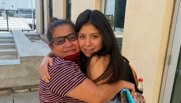 Fotografía cedida por el Departamento de la Policía de Clermont en Florida donde aparece Angélica Vences-Salgado (izquierda) mientras abraza a su hija Jacqueline Hernández (derecha). (Foto: EFE/Policía de Clermont)