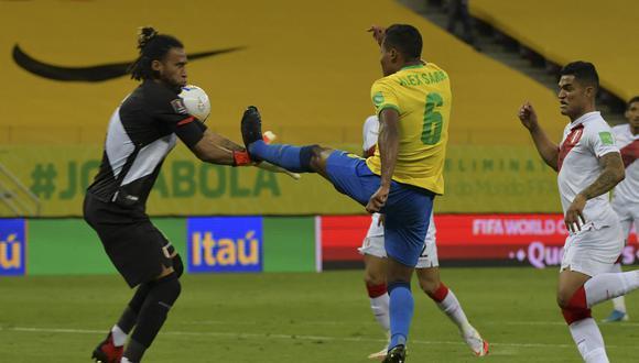 Gallese fue titular esta noche con la selección peruana en Recife. (Foto: AFP)