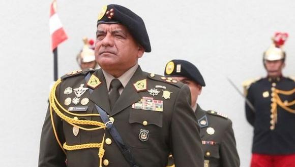 """Fuentes cercanas al Comando Conjunto de las Fuerzas Armadas, señalaron al Diario Correo que el pedido del general César Astudillo, para su pase al retiro, obedece a """"motivos personales"""""""