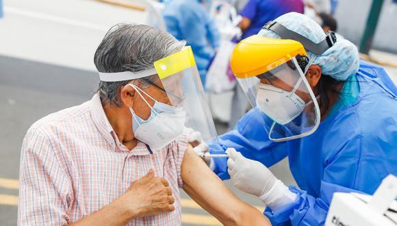 Las vacunas que actualmente se emplean en el país requieren de dos dosis para inmunizar a las personas. (Foto: GEC)