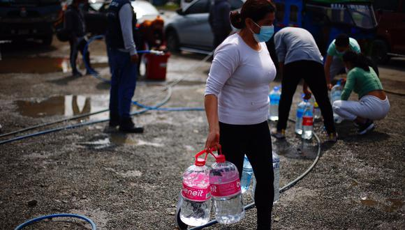 Falta de agua en diferentes puntos del distrito de San Juan de Lurigancho, ocasiona molestias entre los vecinos que exigen una pronta solución. (Foto: Hugo Curotto / @photo.gec)